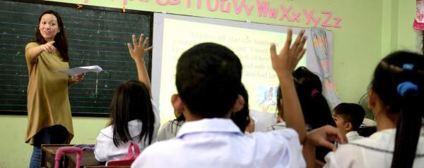Globe celebrates National Teachers' Month with #GlobeWonderfulTeacher campaign