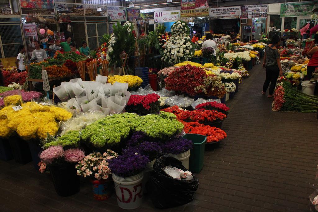Dangwa Flower Market