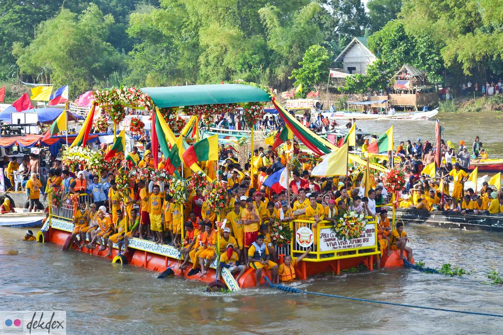 Apung Iru Fluvial Festival