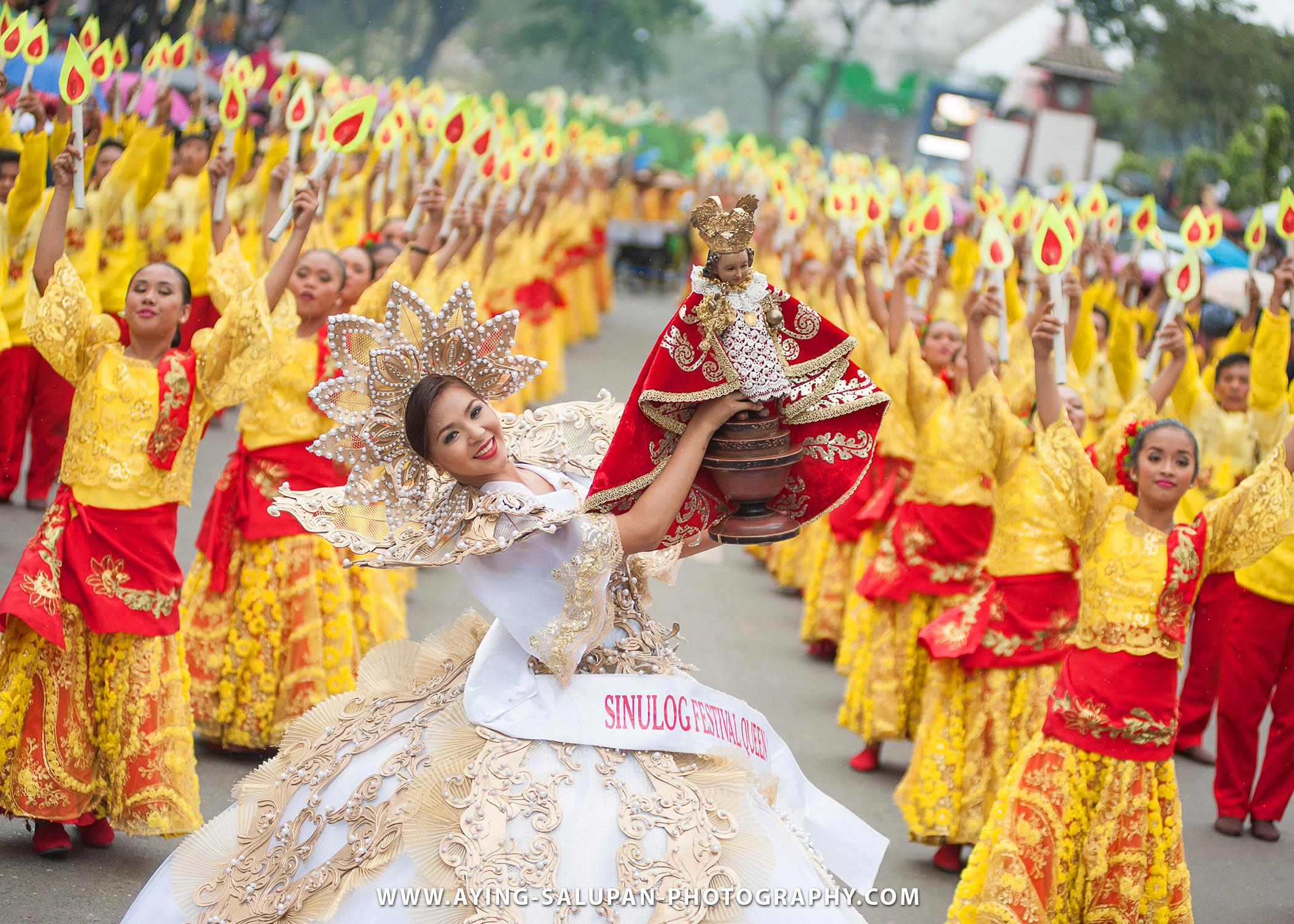 sinulog festival in cebu This year, the whole city of cebu will be celebrating the world's famous sinulog festival with this, the sinulog foundation, together with the efforts of the city government of cebu, prepared a huge list of activities.